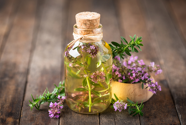 Thyme can be used to treat whooping cough and shortness of breath.jpg