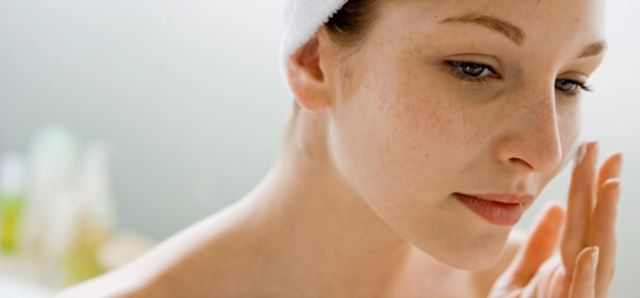 Dry Winter Skin? How Seasonal Change Affects Your Skin